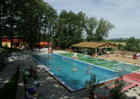 Magyarhertelend Spa Wellness Thermaal baden